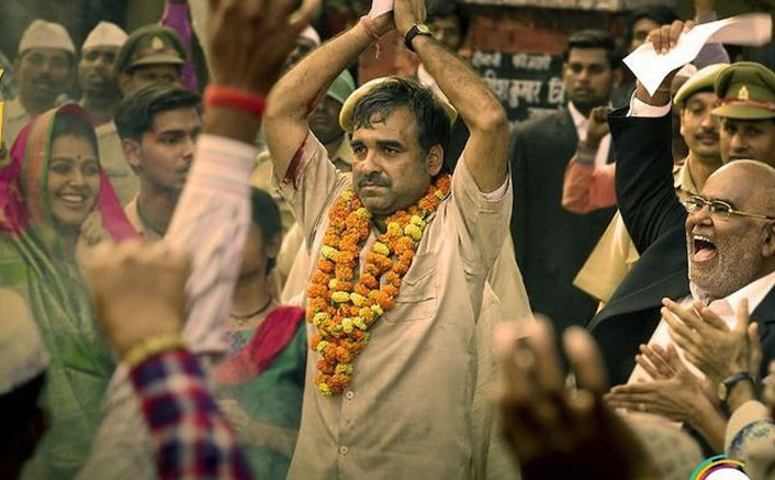 Kaagaz Movie Review: Pankaj Tripathi Is The 'Paper Weight' Holding The Story Together!